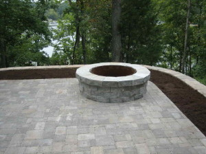 Bring-the-Fire-Pit-Insert-to-the-Patio-iwth-the-regular-style
