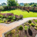 Benefits of Hiring Landscaping Contractor