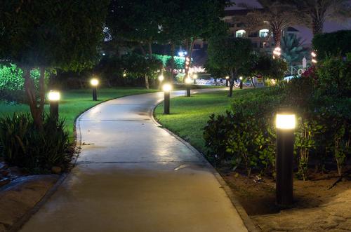 How to choose landscape lighting